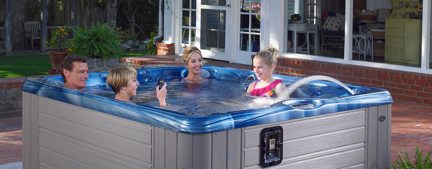 3 person hot tub kauai spa caldera spas scotland. Black Bedroom Furniture Sets. Home Design Ideas