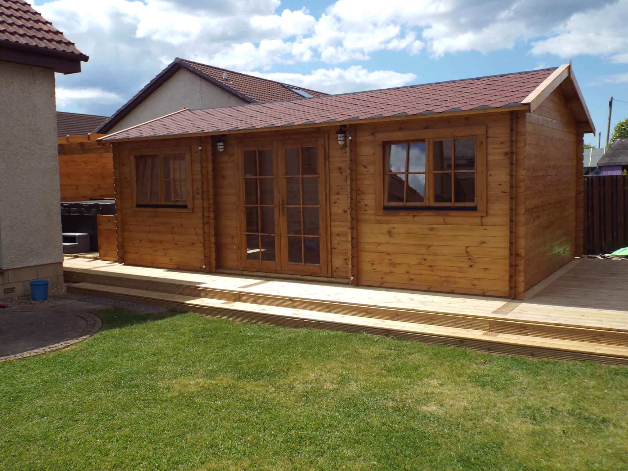 Log cabin gym hot tub prestwick caldera spas scotland for Cottages with sauna and hot tub